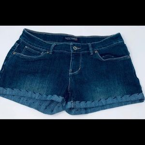 Levi's Cut Off Jean Shorts Stitch Hem Size 9